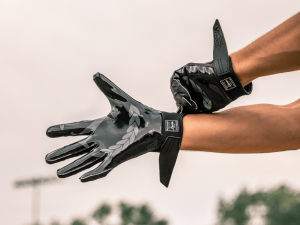 Invictus Gloves Armis The fit is very important when it comes to choose your football gloves