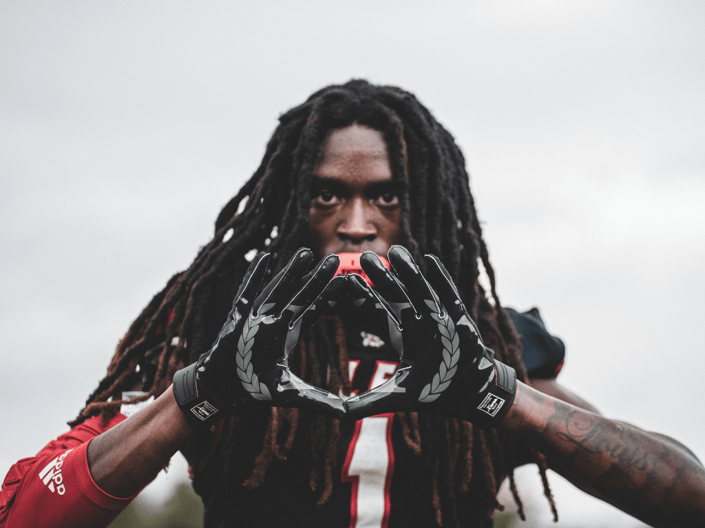 Same standards. Different styles. The difference between the Armis and the Custom gloves.