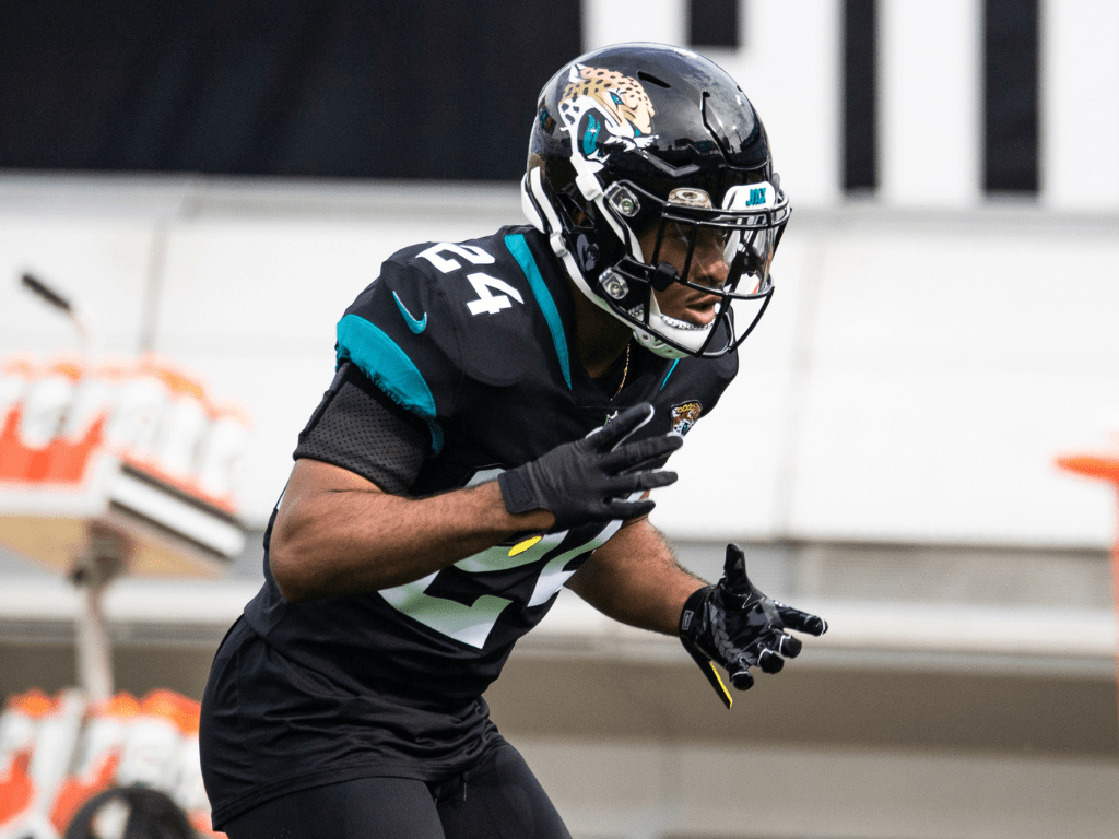NFL player Josiah Scott training with Jacksonville Jaguars and wearing our Invictus Armis 2.0 Coal