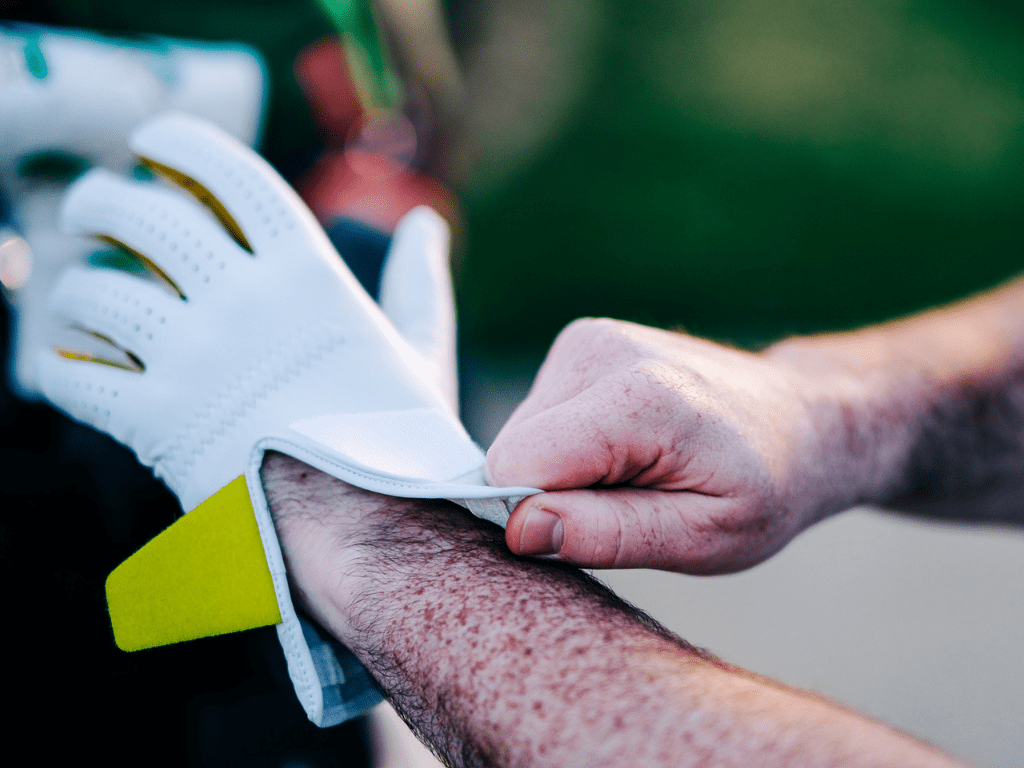 Discover how to correctly clean your golf glove?