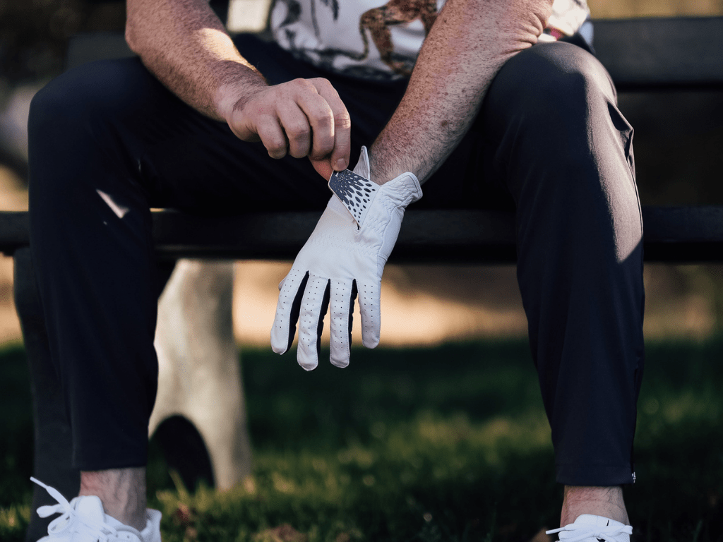 Right hand or left to know which hand do you wear a golf glove